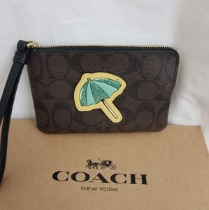 Coach wristlet small Umbrella